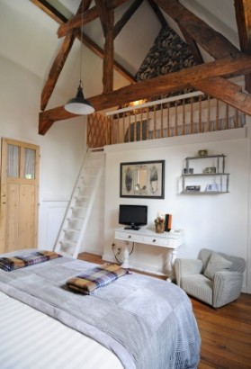 Number 11 exclusive guesthouse - Grijs/witte kamer