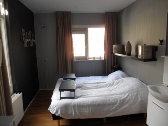 Bed and breakfast bed and breakfast d 39 olle grieze in groningen - Kamer met luifelbed ...